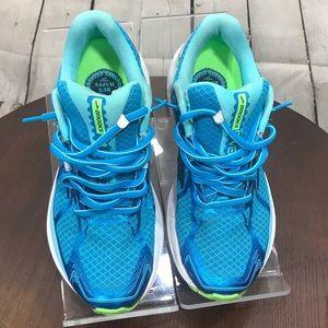 Epic 7.5 Brooks Ravenna 7 Running shoes
